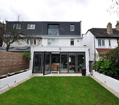 Architecturally designed London property in Briarwood