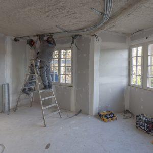extending commercial premises